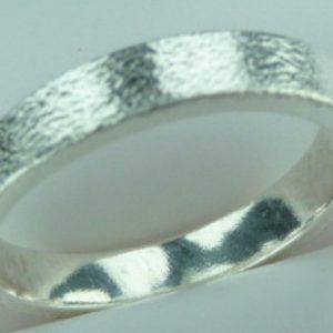 Strieborný prsteň Glare 26